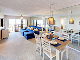 Land's End Beachfront 2BR w/ Pool & Hot Tubs