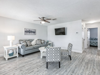 Updated 2BR Within Walking Distance of Gulf!