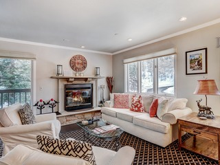 Ski-in, Ski-out- 1 Br/2Ba Townsend Place