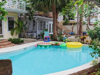 Treasure Island Beach Sleeps 15 TI-15