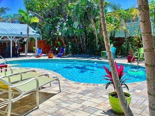 Coconut Grove Beach Resort unit 5 to 8 By Tech Travel