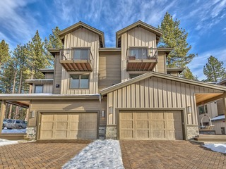 New Luxury Home- Short Walk To Lake Tahoe