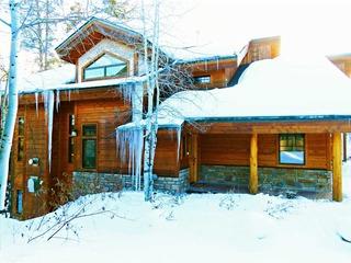 12 Yukon Lane Townhome