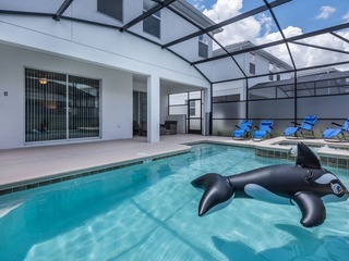 Storey Lake Luxury Villa. 4802