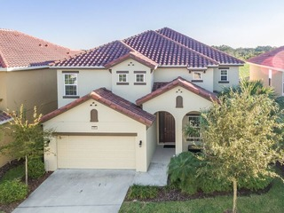 Spacious 6br South Facing Resort Pool Home. 4365