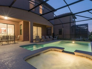 Contemporary Luxury Resort Pool Home. 5456