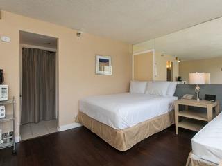 Aloha Surf 711 Condominium