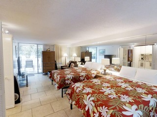 Diamond Head Beach Hotel 105