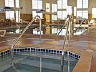 Accessible King Whirlpool