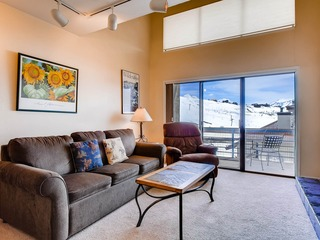 1 Br + Loft With Rustic Fireplace and Mountain Views