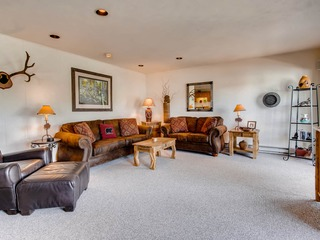 3 Br Unit With Fireplace & Mountain Views