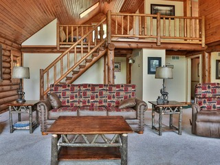 Total Seclusion- Hiller Vacation Homes