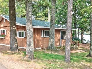 Cottage 11- Hiller's Pine Haven