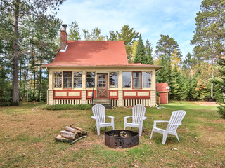 BJ's Lakehouse- Hiller Vacation Homes