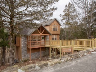 Whispering Woods Lodge-Sleeps 10
