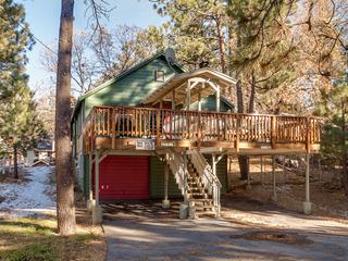 No. 40 Jeffrey Pines- Walk to Village and Lake
