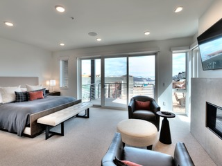 3Br/3Ba Modern Residence in Canyons Village
