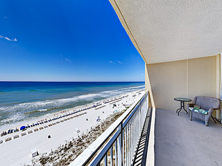 Beachfront Gem w/ Gulf Views, 2 Pools & Grill Area