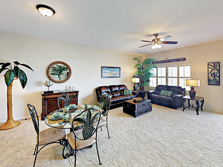Coastal Condo w/ Pool & Bikes, Walk to Beach