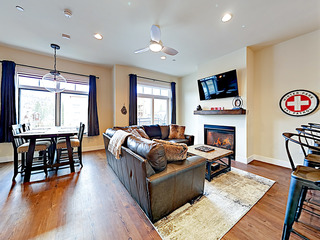 New Listing! New & Contemporary Downtown Condo
