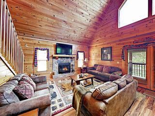 New Listing! Wooded Retreat w/ Hot Tub, Near Lake