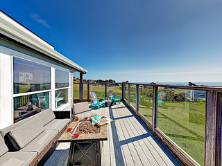 Bodega Bay Oasis w/ Ocean Views, Walk to Beach