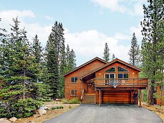 New Listing! Tahoe Donner Haven w/ Hot Tub & Decks