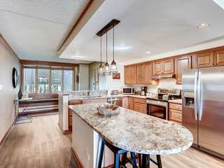 Spacious and Modern 2Br Premier- The Pines- Kids Ski Free