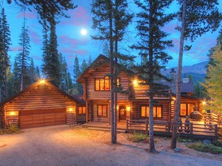 Bear Lodge - image