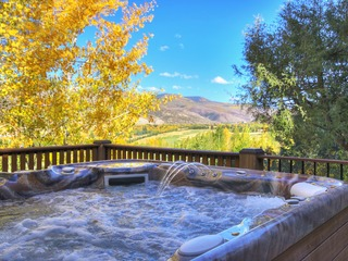 Luxury Home With Mountain Views, Private Hot Tub Arrowhead