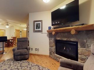 2605 Tenderfoot Lodge