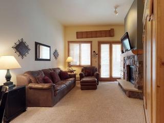8105 Arapahoe Lodge