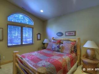 Expansive Roomy Lake Home