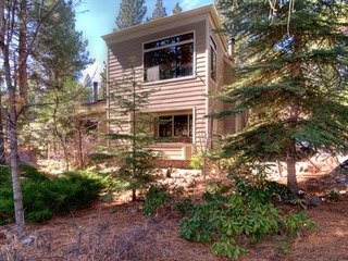 223 Forest Pines