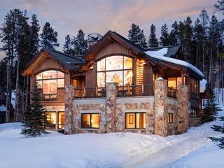 Mountain Majesty Manor