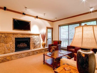 Borders Lodge- Upper 207 2BR/2BA