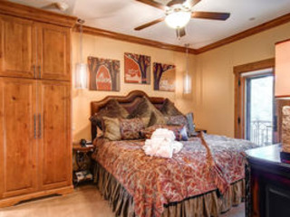 The Charter 2br/2ba-2 Beds