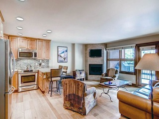 Lion Square- South 456 1BR/1BA