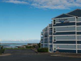 Waters Edge Condominium 308
