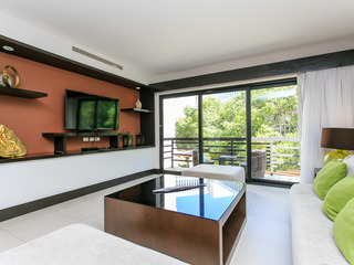 AT 1132-2 Beds Suite+Close Beach+Gym+Big pool+WIFI+ Parking
