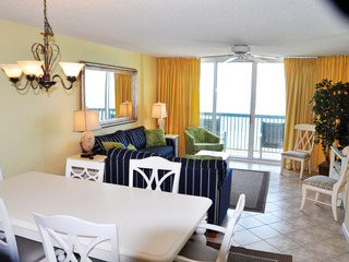 ASHWORTH 1402 3BR 3BA Oceanfront. A great unit with Free WiFi.