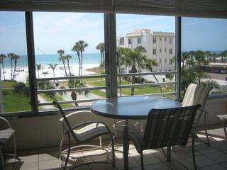 Island House Beach Resort 14S