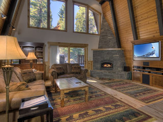 Pezzola Luxury Rental Cabin