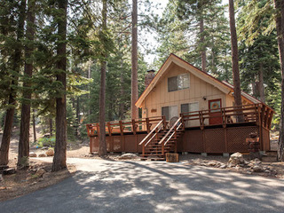 Iravani Dog Friendly Cabin