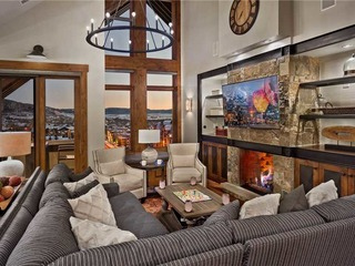 Diamond Peak Penthouse (#616)