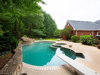 Stunning Estate 5 Bedrooms Amazing Pool,Atlanta