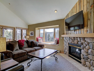 Tyra Chalet 336 - Ski-In/Ski-Out - image