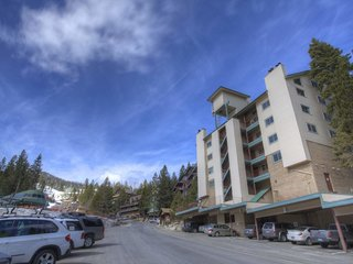 Skier's Dream Condo Sleeps 6 - image