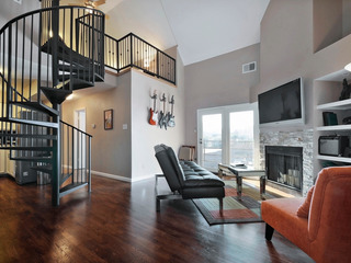 2BR Renovated Downtown Condo