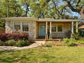 2BR Charming Bouldin Cottage